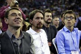 Errejón, de Podemos, suspendido de empleo por la Universidad