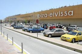 198 vuelos y más de 24.990 plazas se ofertarán este puente en Eivissa