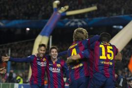 El tridente Messi-Neymar-Suárez rescata a un triste Barça