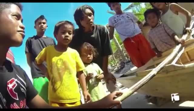 VÍDEO: A Filipinas con una mochila solidaria