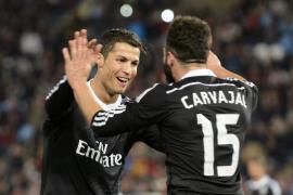 El Real Madrid golea con un 1 - 4 al Almería antes de viajar al Mundial de Clubes
