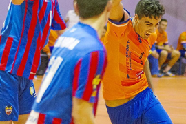 El HC Eivissa se abona a la victoria y continúa arriba