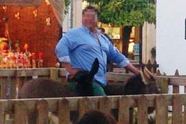 El acusado de matar al burro del Belén de Lucena se defiende
