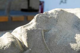 La estatua de Guillem de Montgrí de Dalt Vila vuelve a ser víctima del vandalismo