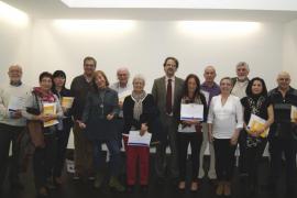 El Área de Salud de las Pitiüses homenajea a 21 empleados jubilados
