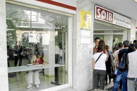 Las Pitiüses cerraron el año con 11.296 parados, un 0,75% menos que en 2013