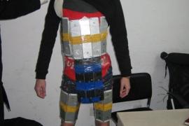 Detenido por intentar pasar 94 iPhones de contrabando pegados a su cuerpo