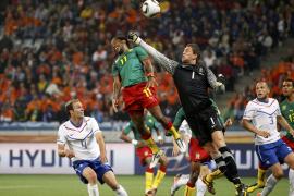 Holanda a octavos con pleno de victorias