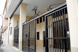 Detenido por perseguir a un cura con un cuchillo en una iglesia de Palma