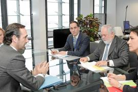 Bauzá reitera ante Arias Cañete la oposición «rotunda» de Balears contra las prospecciones