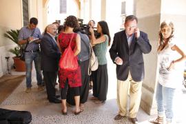 Josep Juan Cardona renuncia a su escaño en el Parlament y anuncia que deja la política