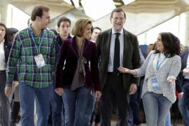 Rajoy lanza un alegato a favor del sistema político frente a las críticas de Podemos