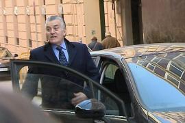 Luis Bárcenas llama presunta delincuente a Esperanza Aguirre