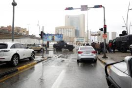 Ocho muertos, entre ellos cinco turistas, en un ataque terrorista a un hotel en Trípoli