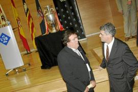 La Balear de Fútbol se posiciona junto a Villar en su guerra contra Cardenal