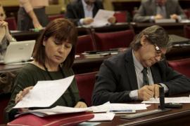 El Parlament aprueba publicar la listas de espera cada tres meses