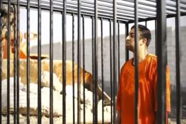 El Estado Islámico quema vivo en una jaula al piloto jordano secuestrado