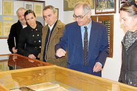 Gabriel Verd y Maria Salom en el museo de Cristóbal Colón