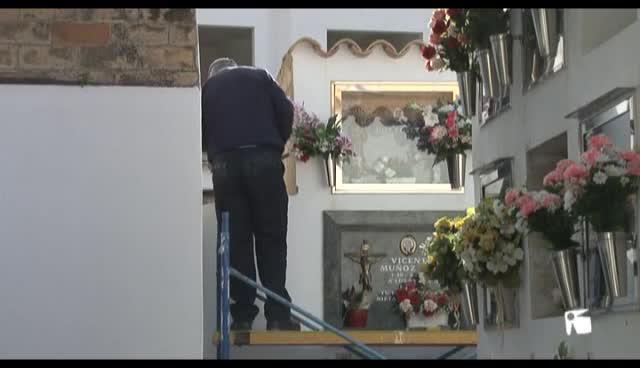 VÍDEO: Denuncian la existencia de un osario irregular en cementerio de Sant Antoni