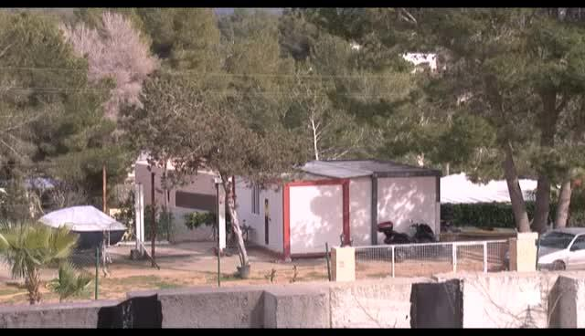 VÍDEO: Desmantelados dos talleres clandestinos de vehículos en Eivissa