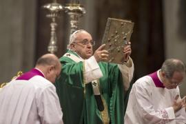 El papa pide a los cardenales que eviten que los cristianos sean «una casta»