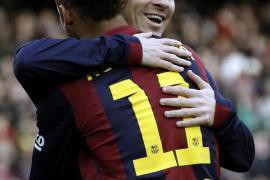 El Barça golea al Levante con un 'hat-trick' de Messi
