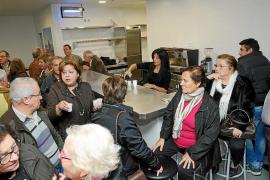 Los colectivos de la tercera edad celebran la apertura del Centro de Cala de Bou