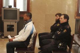 El acusado de matar a un joven en Maó en 2013 alega que fue en defensa propia