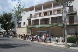 Vila anuncia el contrato de demolición de la antiguo edificio de la Delegación del Gobierno