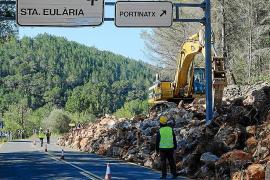 Se reinician las obras en la vía de Sant Joan en el cruce de Portinatx