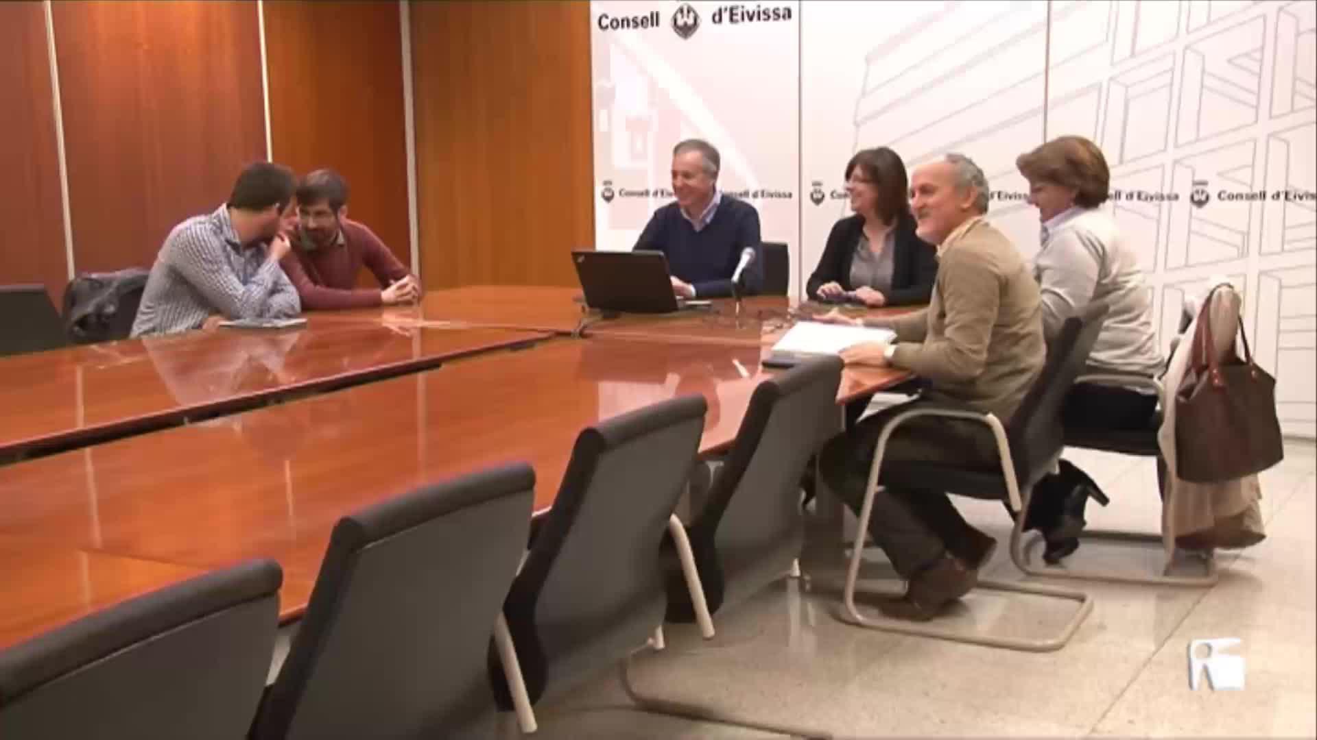VÍDEO: Serra lleva a Bruselas la lucha contra los sondeos