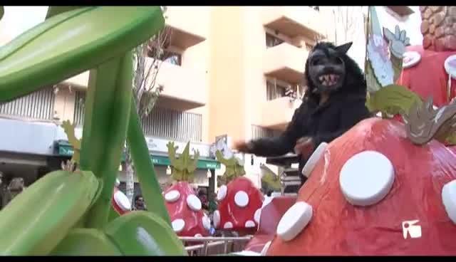VÍDEO: Color, humor y alegría en los Carnavales de Sant Josep, Sant Joan y Vila