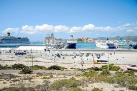 Detienen en el puerto de Eivissa a tres miembros de una organización dedicada al  narcotráfico