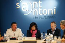 Sant Antoni distingue con su Medalla de Oro a Vicent Marí Prats y a los pescadores