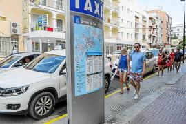 Los taxistas reclaman una mejor coordinación intermunicipal del servicio
