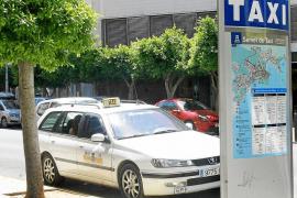 El TSJB anula la orden de recogida de viajeros y tarifas del taxi en Eivissa