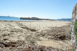 Una comisión especial analizará los vertidos en las playas de Vila