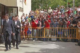 Citan a declarar al representante de Messi por la recaudación de partidos benéficos