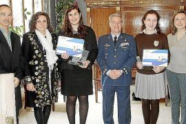 """Premios del concurso """"Carta a un militar español"""""""
