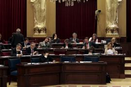 El Govern hace un nuevo llamamiento a la oposición para reducir el Parlament