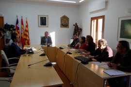 Formentera avanza en la normativa para controlar la entrada de vehículos