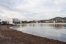 Los vecinos de Talamanca piden que se adelanten los servicios mínimos de playa