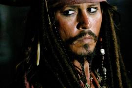 Johnny Depp, herido en una mano durante el rodaje de 'Piratas del Caribe'