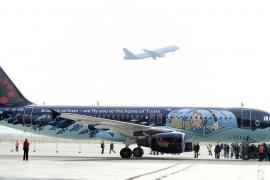 El submarino de Tintín vuela gracias a Brussels Airlines