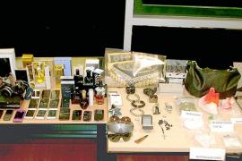 Detienen a dos personas que poseían objetos robados en Madrid y Barcelona