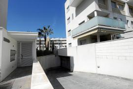 Detienen en el puerto de Eivissa al presunto autor del apuñalamiento en Cala de Bou
