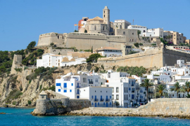 Eivissa suspenderá parcialmente las licencias para obra nueva