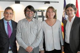 El nuevo mecenas del CD Ibiza inicia su desembarco en la isla