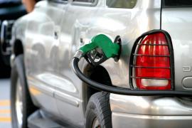 La gasolina y el gasóleo bajan un 1,6% antes del inicio de la Semana Santa