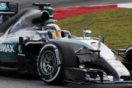 Hamilton saldrá desde la 'pole' en Malasia con Vettel segundo